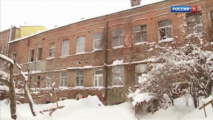 В Саратове разрушается Дом купца Баринова