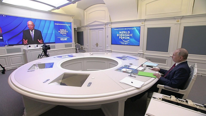Мир, будущее человечества и любовь: о чем говорил Путин в Давосе