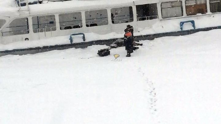 Мужчине стало плохо во время рыбалки на Затоне в Новосибирске