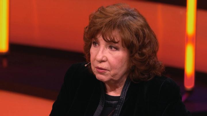 """""""Не пускали на телевидение"""": Камбурова – о песне """"Маленький принц"""""""