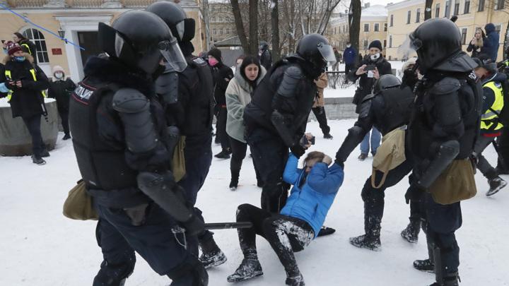 Уполномоченный по правам человека сообщила о провокациях на акциях