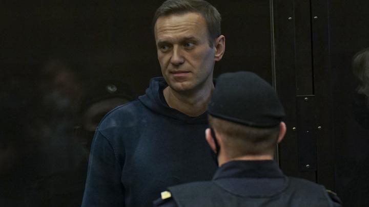 Суд по делу Навального удалился на совещание