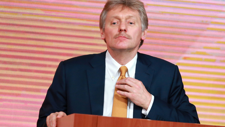 """Песков прокомментировал уход Серебренникова из """"Гоголь-центра"""""""