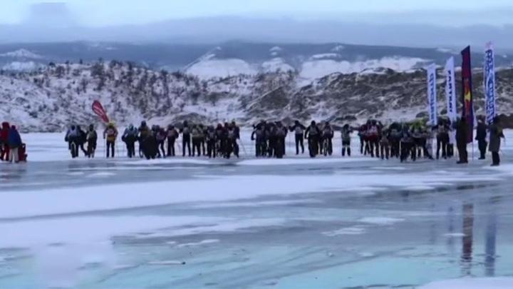 По льду и торосам: на Байкале стартовал экстремальный марафон