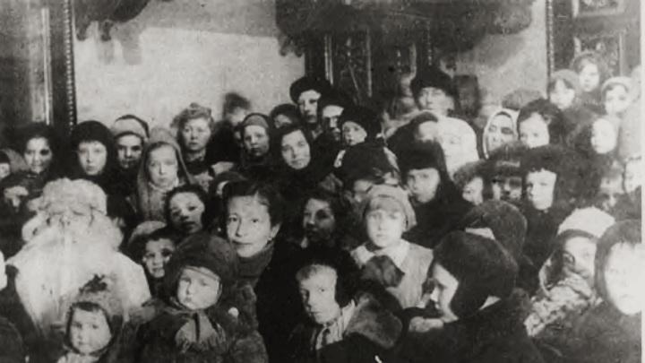 встреча 1942 года в детском саду блокадного Ленинграда