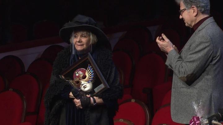 Людмилу Петрушевскую наградили за вклад в театральное искусство