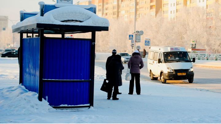 В Смоленске пользователи соцсетей пожаловались на самоуправство водителя маршрутки