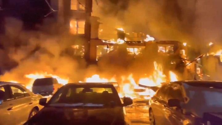 Из-за перемерзших пожарных гидрантов в Техасе сгорел жилой квартал