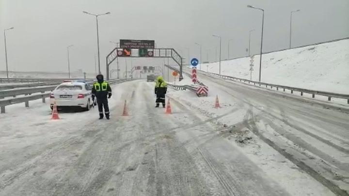 Движение по Крымскому мосту возобновлено в сторону Керчи