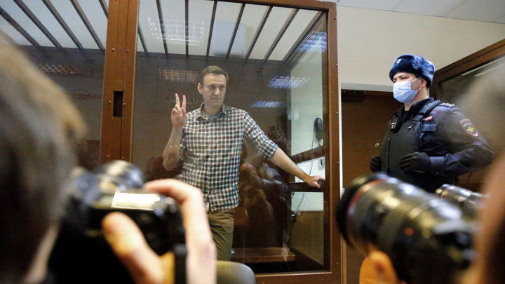 Китай: внешние силы не имеют права вмешиваться в дело Навального