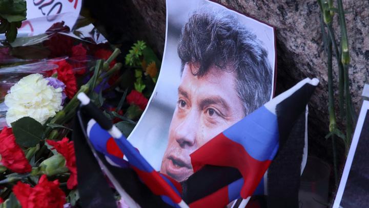 Песков ответил на вопрос о Немцове и Путине