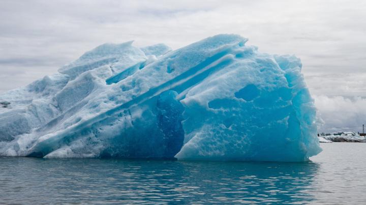 Айсберги, плывущие в Атлантический океан из Антарктики, могут говорить о начале нового ледникового периода.