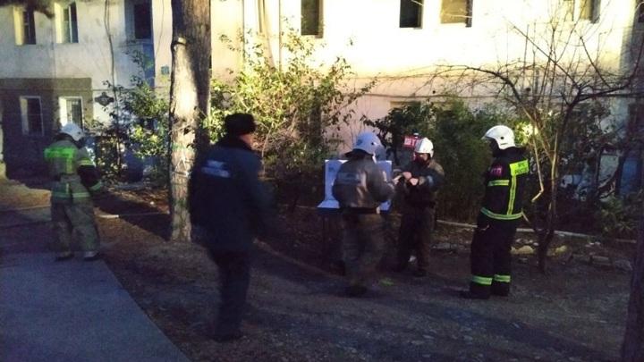 В Ялте пожарные спасли многодетную семью из горящей квартиры
