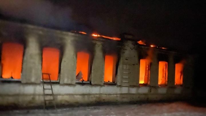 В Тамбовской области произошел пожар в школьном спортзале