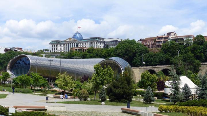 Грузия открывает границы для россиян, но с одним условием
