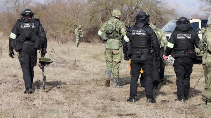 Шпионы и террористы: президент напомнил о главных угрозах для РФ