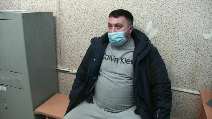 В Кирове задержанный мужчина пнул инвалида из-за своей жены
