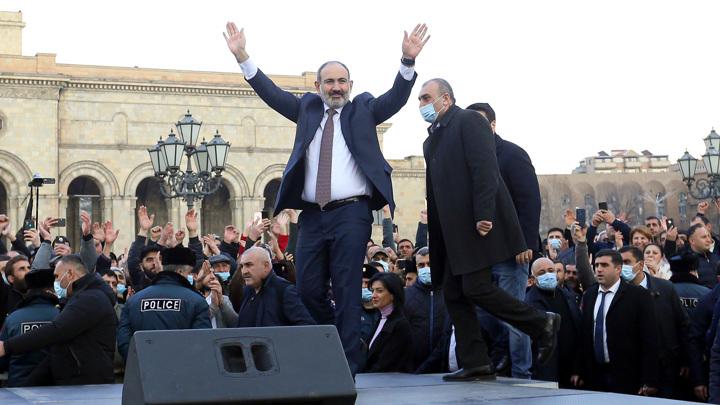 Пашинян закончил шествие, оппозиция будет митинговать бессрочно