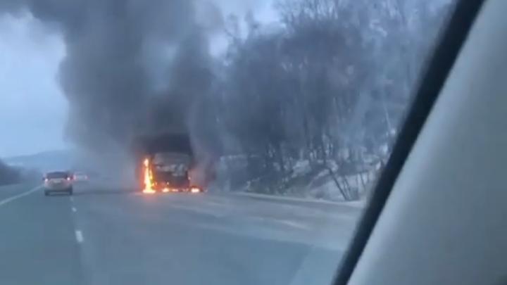 """Новенький """"китаец"""" сгорел по пути во Владивосток"""