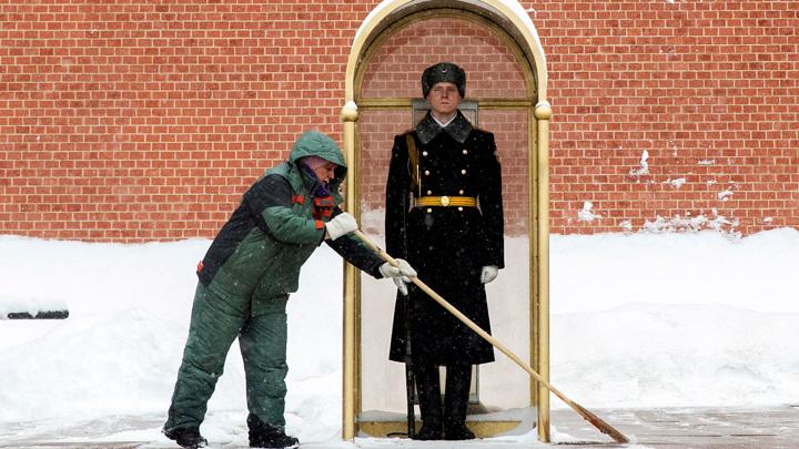 Московские коммунальщики перешли на круглосуточный режим работы
