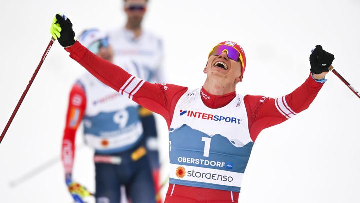 Большунов взял золото в скиатлоне чемпионата России
