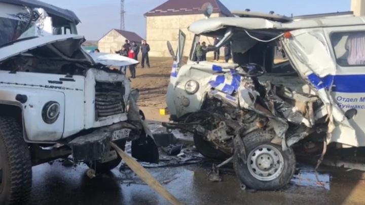 Сотрудники полиции погибли в ДТП с автоцистерной