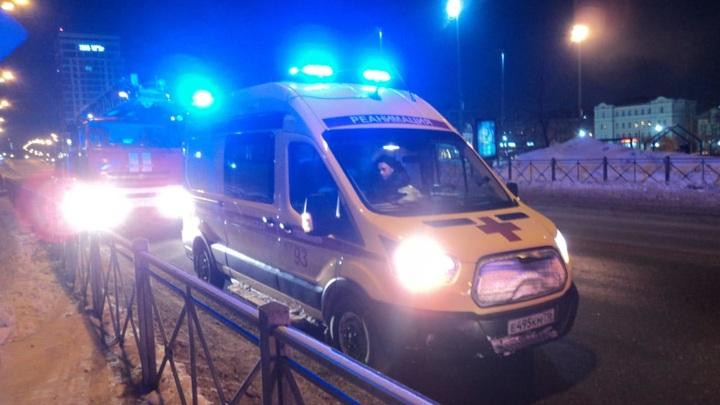 В центре Казани из пожара спасли троих человек