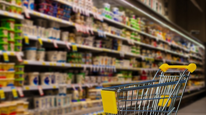Прокуроры выявили необоснованный рост цен на продукты в РФ