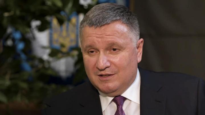 Причиной отставки Авакова с должности главы МВД Украины стала просьба Зеленского