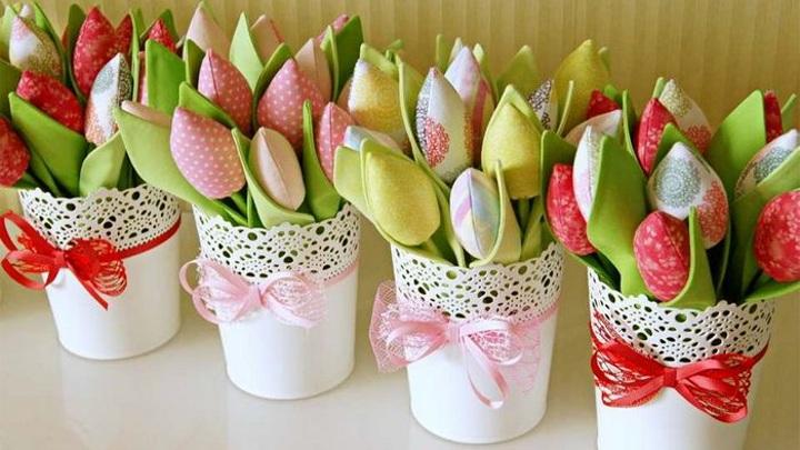 ВЦИОМ: большинство женщин хотят получить в подарок на 8 марта путевку на отдых
