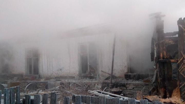 В Улан-Удэ ночью ликвидировали крупный пожар