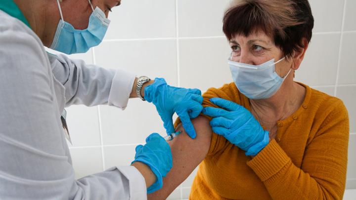 """Вакциной """"Вектора"""" можно прививаться лицам старше 60"""