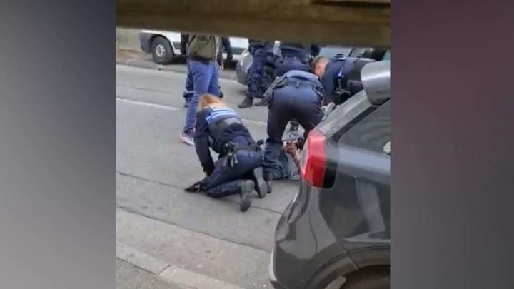 Вооруженного мужчину задержали у входа в еврейскую школу в Марселе