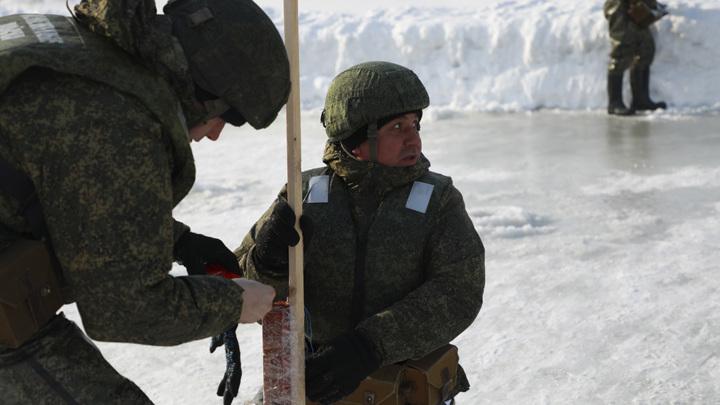 Саперы запасли 14 тонн взрывчатки и 50 авиабомб для уничтожения ледяных заторов