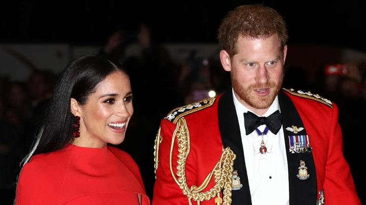 Британская королевская семья погрязла в скандалах