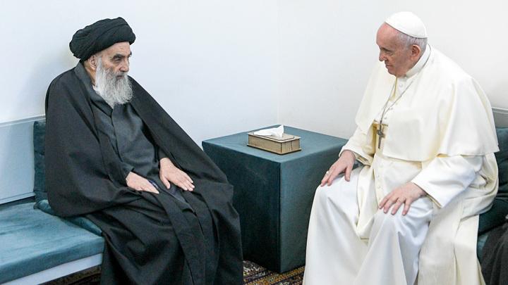 Папа Римский впервые в истории встретился с аятоллой Ирака