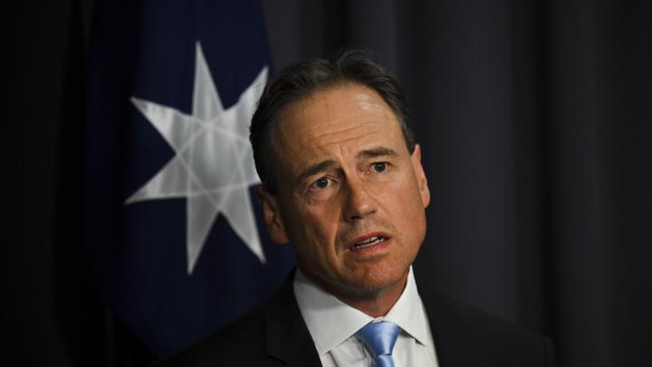 Министр здравоохранения Австралии рассказал об угрозах от противников вакцинации