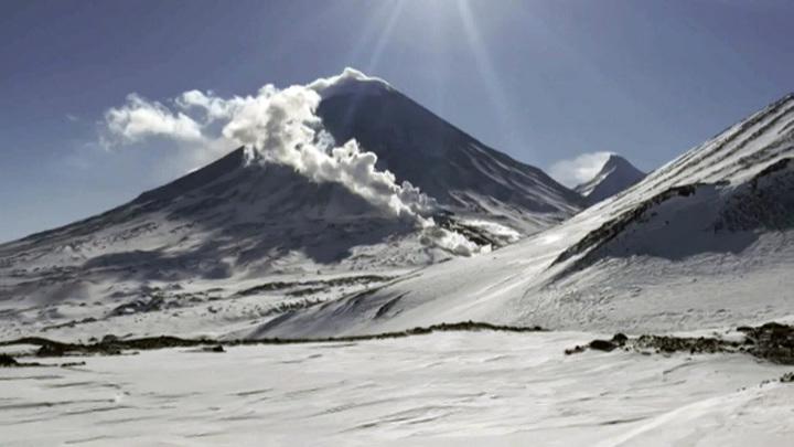 На Камчатке пропали двое туристов на снегоходах