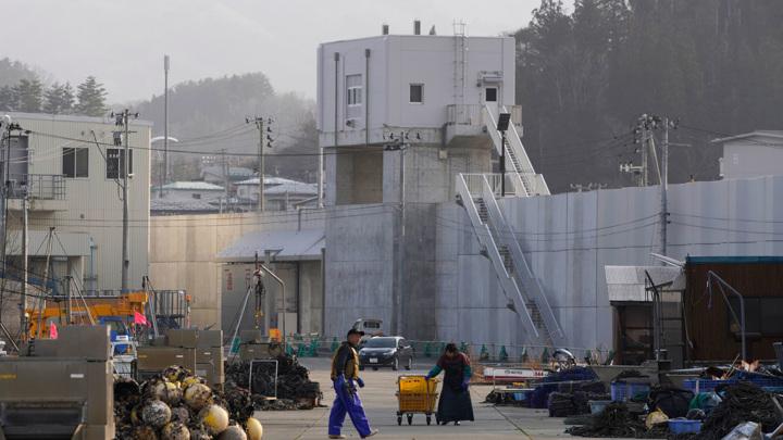 Эхо Фукусимы: Япония вспоминает погибших от стихии 10 лет назад