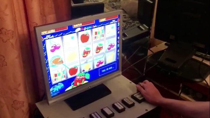 В Кургане молодой человек организовал подпольное казино в съемной квартире