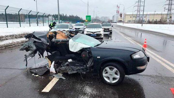 Машину разорвало надвое: в Зеленограде восстановлено движение