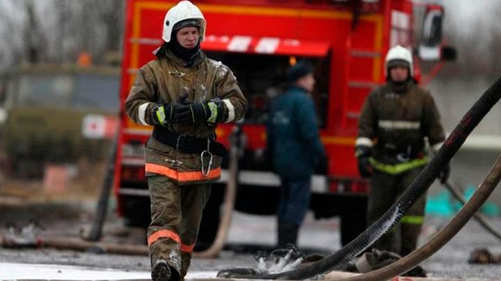 В Томске ночью возник пожар в многоэтажном жилом доме