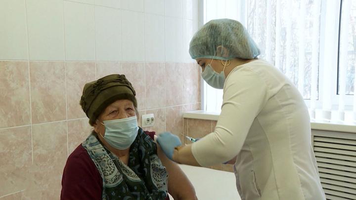 """У пожилых """"ЭпиВакКорона"""" эффективна в 94% случаев"""