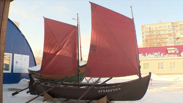 Традиционный поморский карбас построили в Архангельске