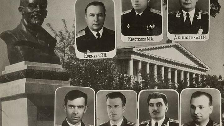 1966 год. Выпуск СВВМиУ... М.А.Крастелёв - с 1956 по 1971 годы - начальник Севастопольского ВВМиУ