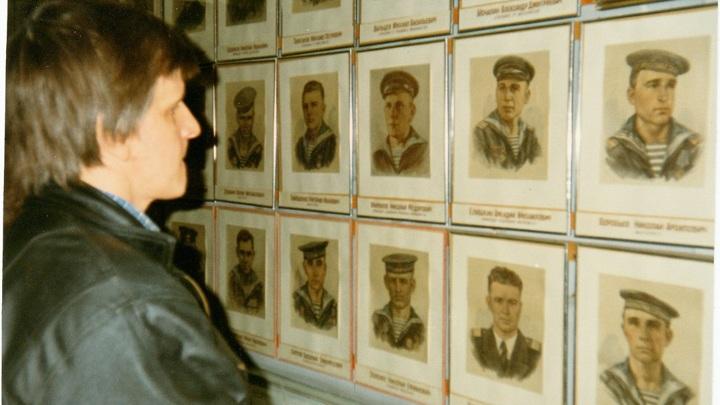 фотографии экипажа Л-3 в музее школы