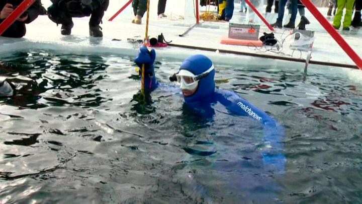 Новый рекорд: россиянин нырнул в Байкал на 80 метров