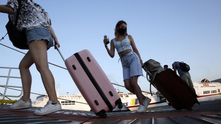 Греция отменяет квоты для туристов из России
