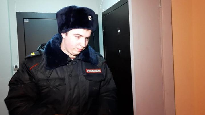Сотрудник Росгвардии в Вологде спас из огня семью