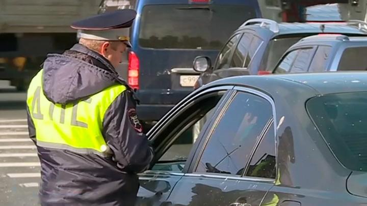 Под Сергачом пьяный водитель сбил инспектора, пытаясь уехать от полицейских